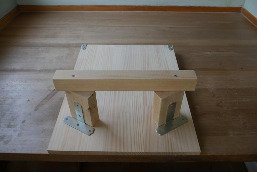 木鉢固定器